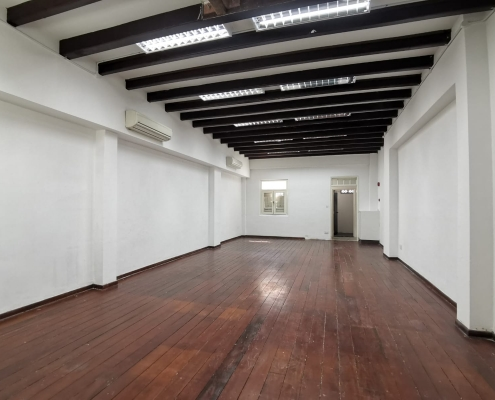office in tras street for rent