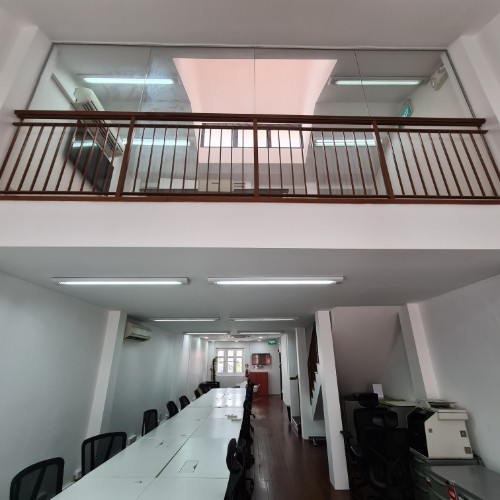 Shophouse office with attic for rent